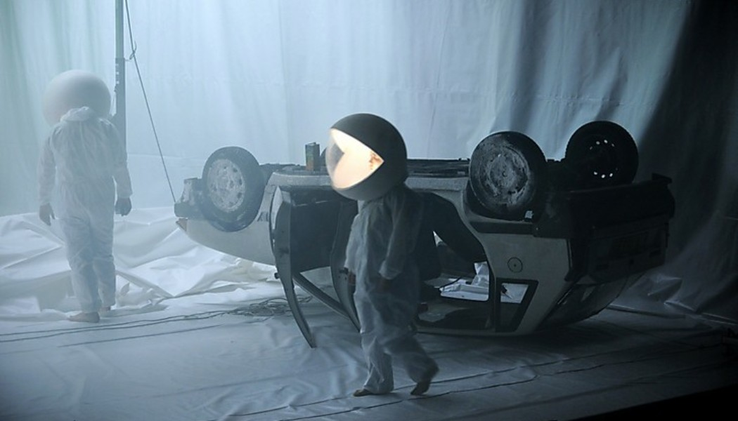 In Performance: Philippe Quesne | Vivarium Studio – Big Bang (Paris, France)