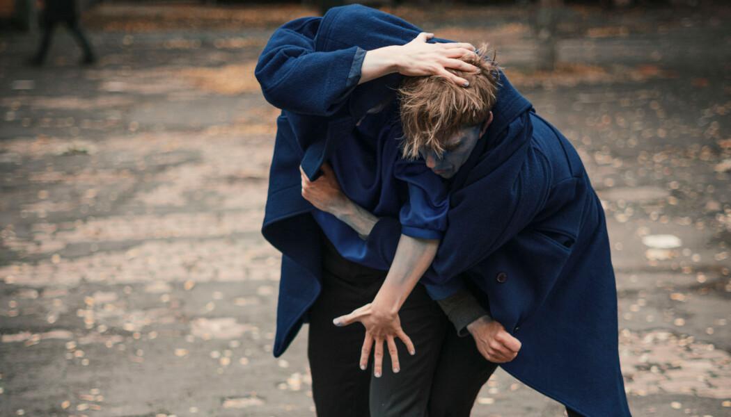 """""""Cloak Work - The walking coat duet"""", miriam flick.art & Jannis Eggelsmann"""